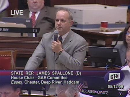 State Representative James Spallone speaking in favor of the National Popular Vote on May 12, 2009